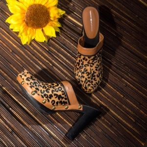 Tommy Hilfiger leopard clog mules